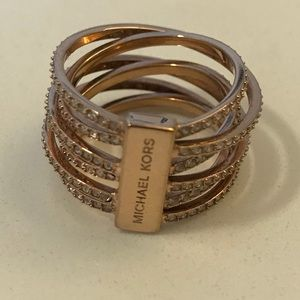 Michael Kors Brilliance Crossover ring - size 7